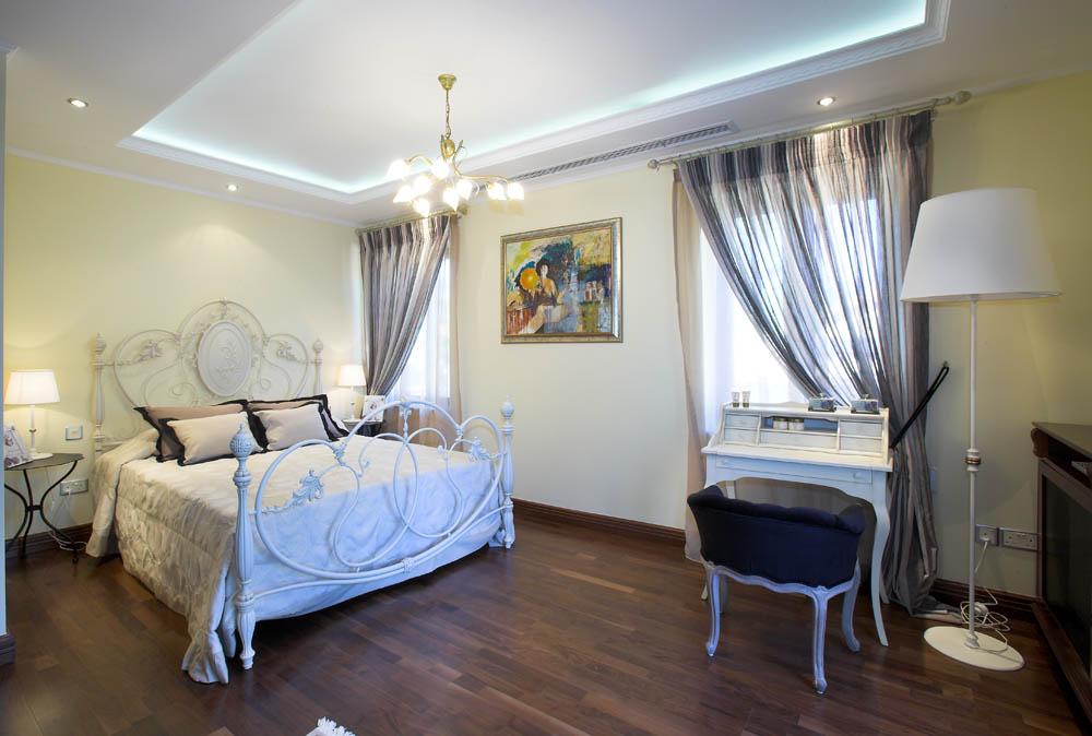 Bedroom No 2 (2)